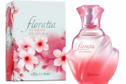 floratta cerejeira em petalas